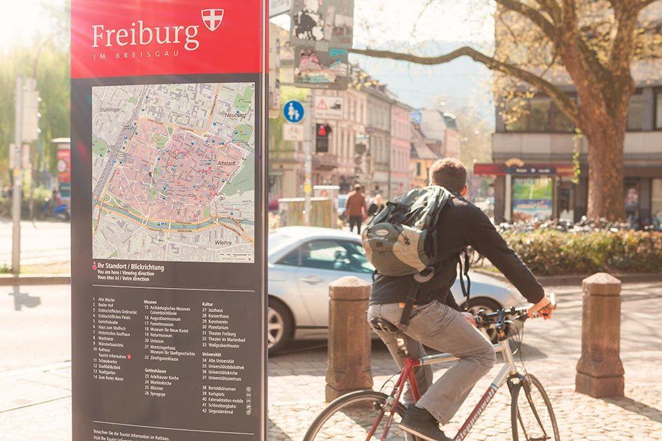 Foto von Fußgängerleitsystem