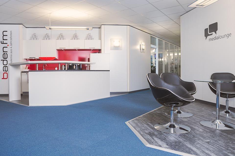 Foto eines Eingangsbereichs in einem Medienunternehmen